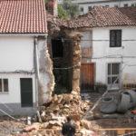 Caida muro Compostela