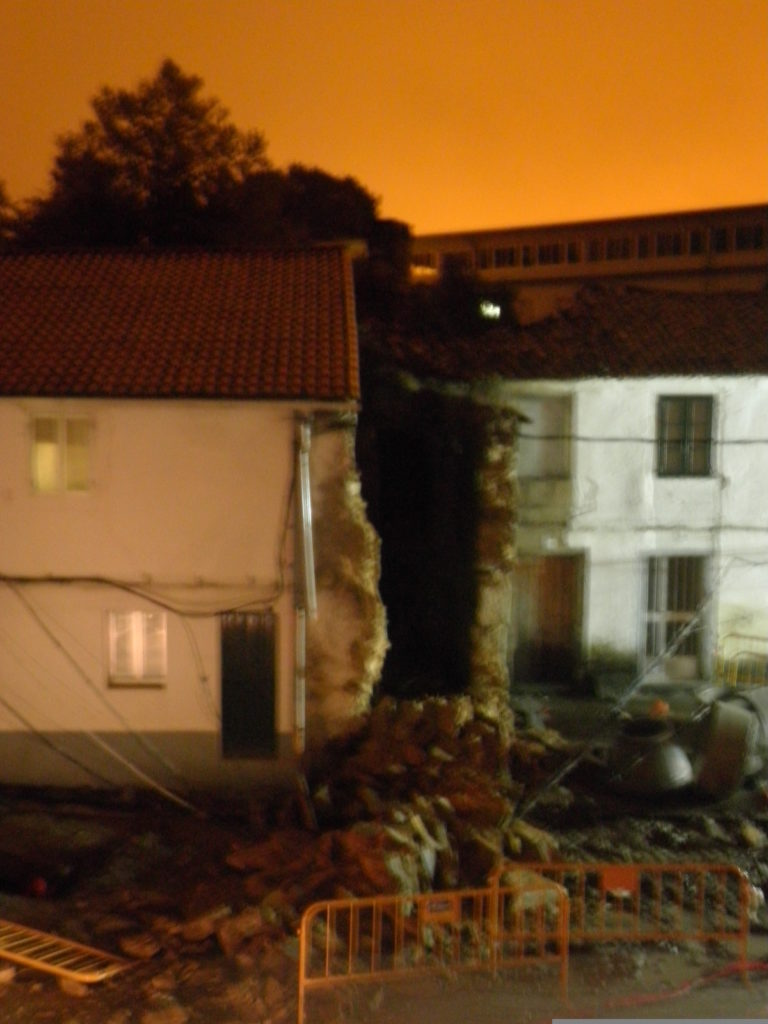 Caída del muro Compostela