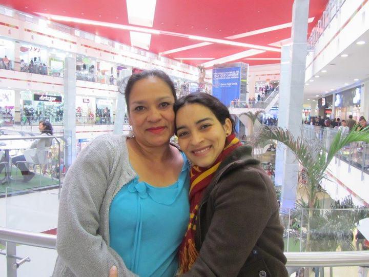 Con mi madre en Bogotá (febrero 2012)