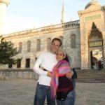 Diana y Jaime en la Mezquita Azul, Istanbul
